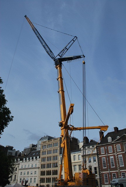 LTM 1500-8.1 monster crane